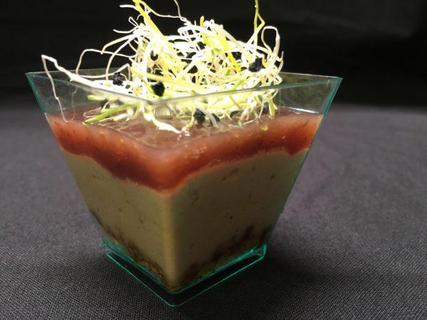 Vasito de foie con higos y almendra caramelizada