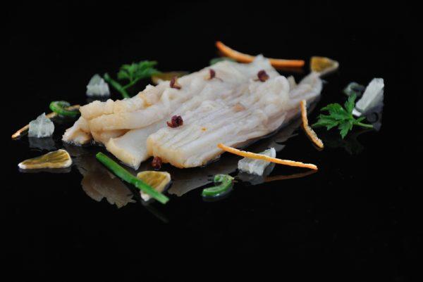 Escabeche de raya con lima y pimienta de sichuan